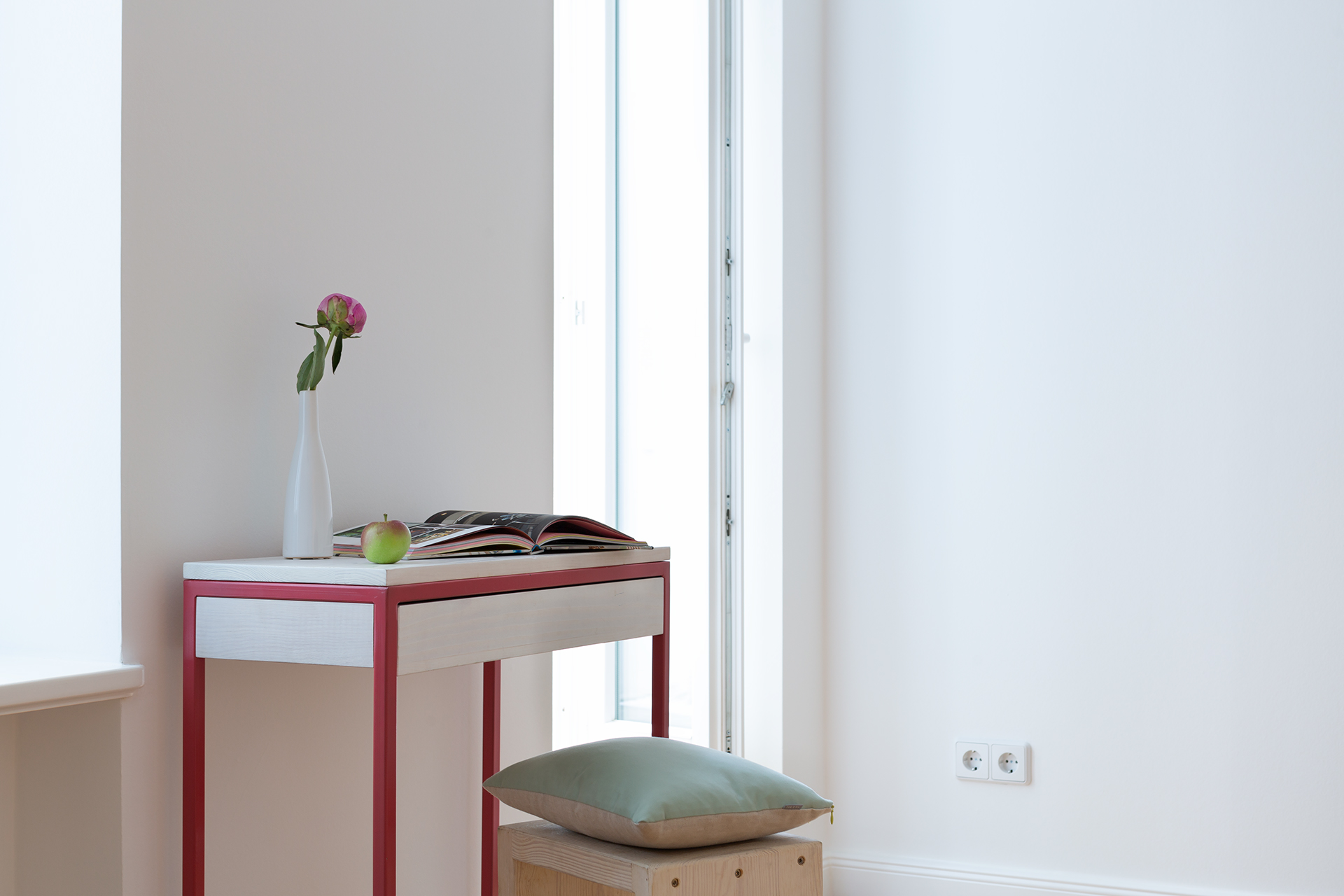 JOHANENLIES PROJECTS | Console table THORN in strawberry red with drawer for Fantastic Frank
